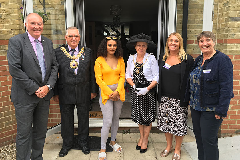 Southend young parents meet with Sanctuary directors and the Mayor