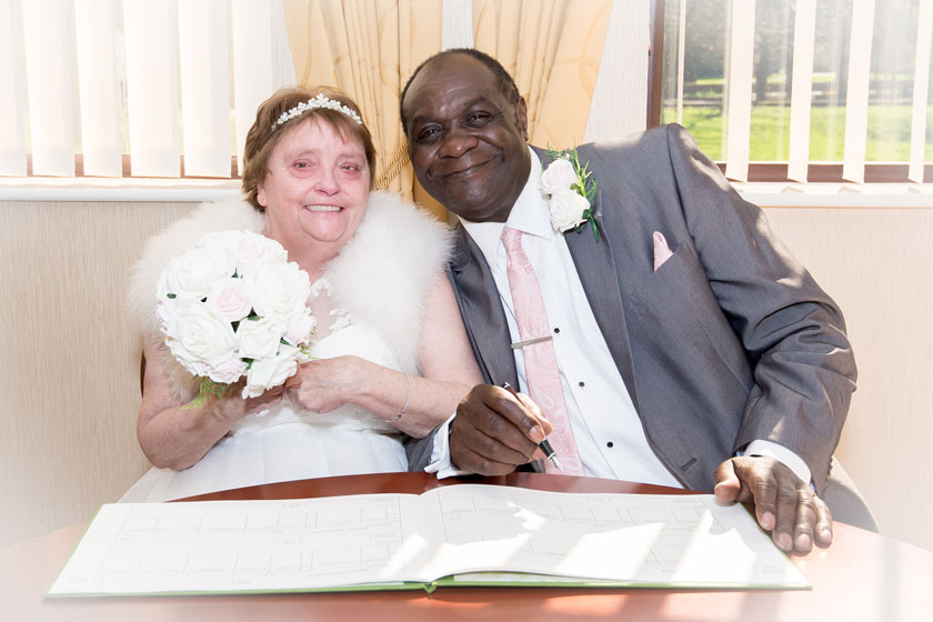 Linda and Darrel Alexander tie the knot
